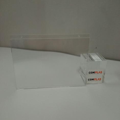 EXPOSITOR DIN-A5 HORIZONTAL CON TALADROS