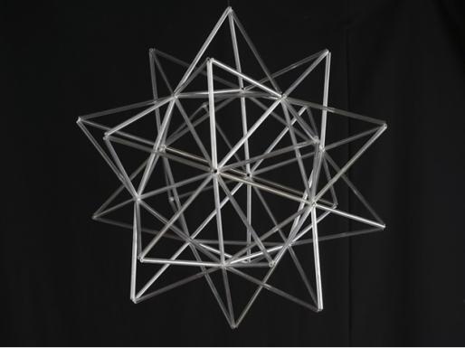 Geometria con tubo de metacrilato